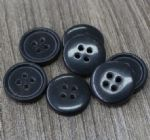 4 hole sewing on button